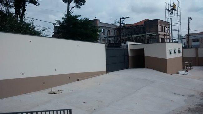Reforma patio e muro